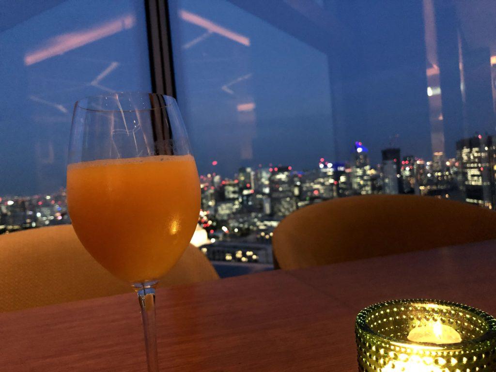 オレンジジュースも、とてもオシャレに