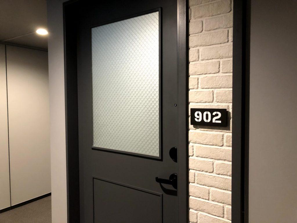 モクシー東京錦糸町の客室の入り口