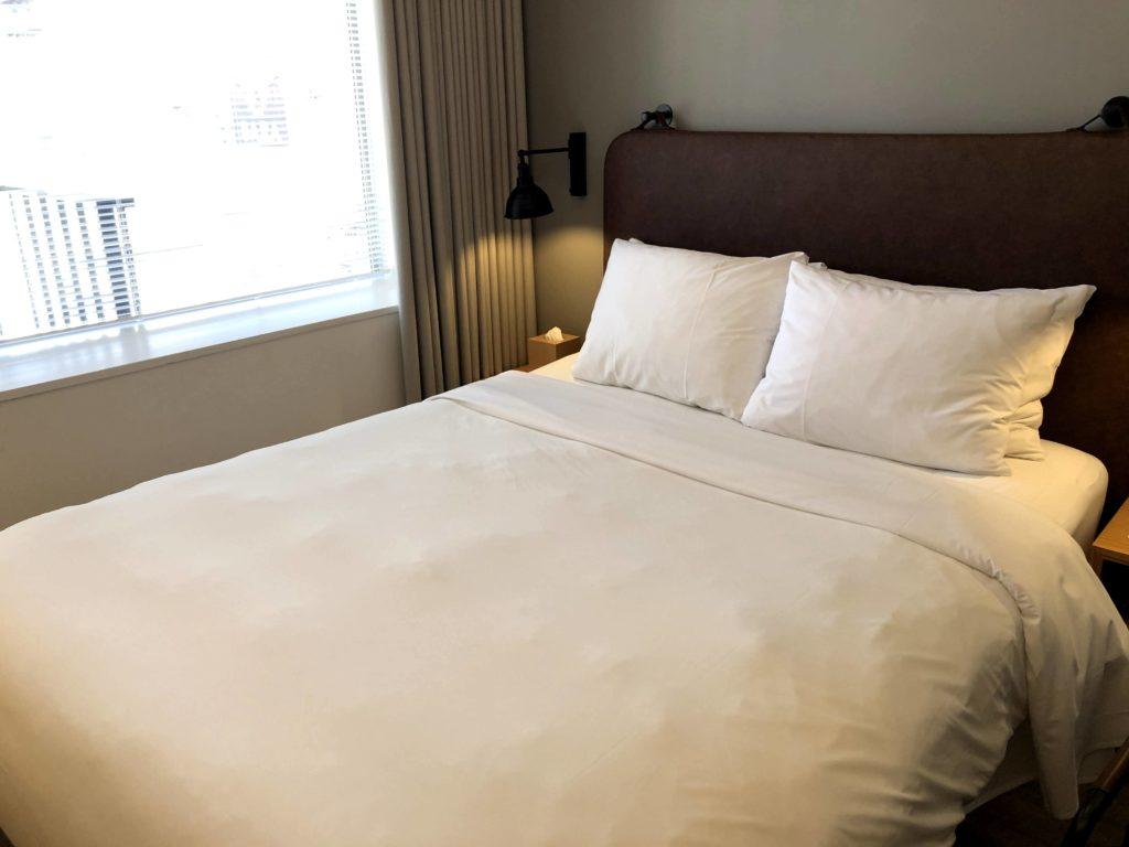 モクシー東京錦糸町のベッドはシモンズ製