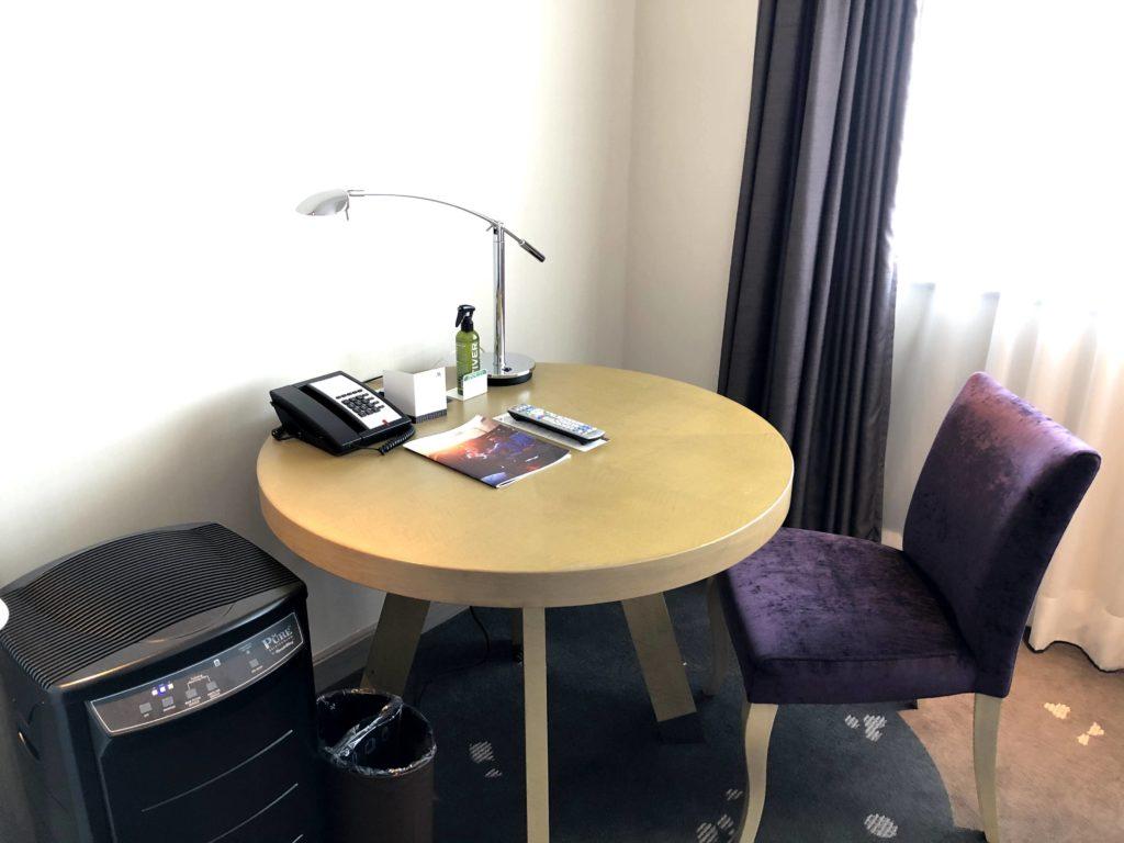 東京マリオットホテルのテーブル