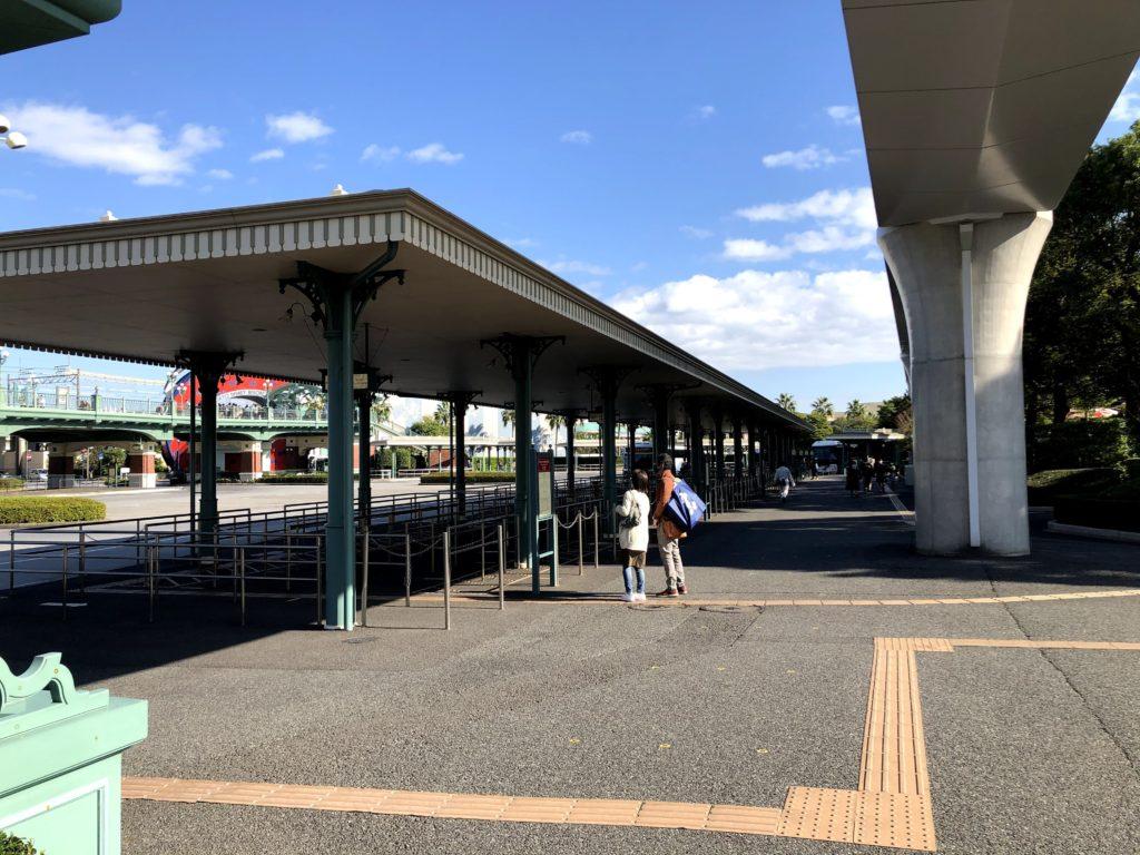 ディズニーランド側のバス乗り場