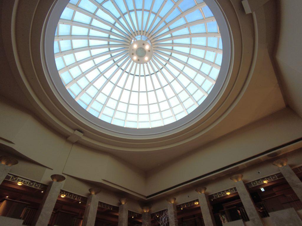 天井が高くて太陽光も入る
